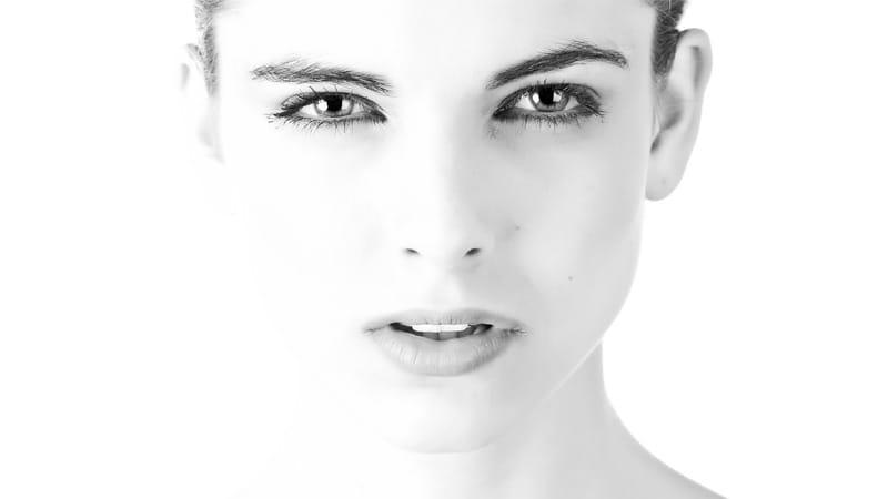 AHA и BHA: как правильно выбрать эксфолиант для вашей кожи