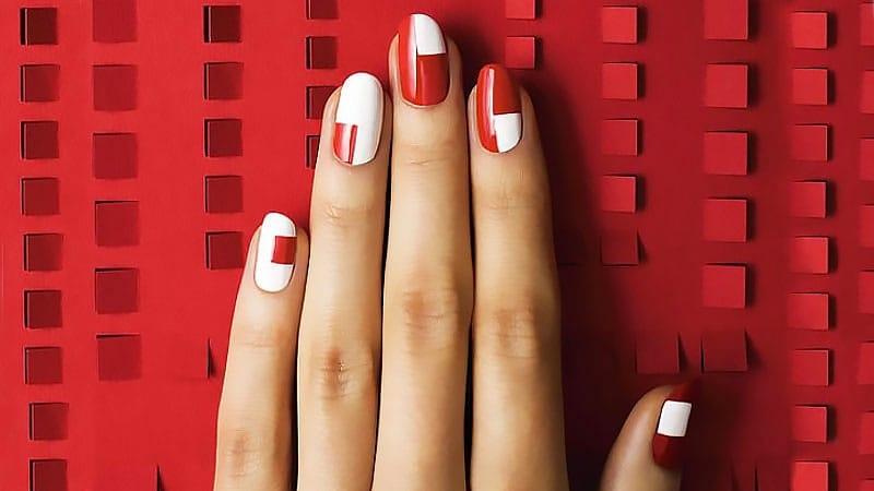 Красные ногти - 15 крутых идей дизайна, которые стоит попробовать в 2020 году
