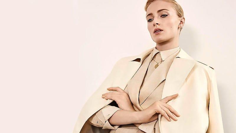 Как одеваться в стиле Софи Тернер