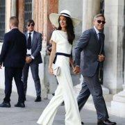 Як одягатися в стилі Амаль Клуні