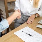 Где и как найти хорошего юриста консультанта?